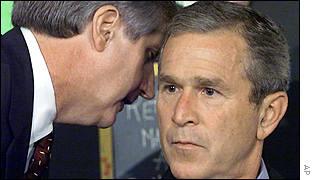 A Bush le informan de los antentados