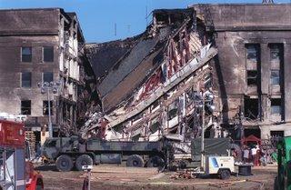 El Pentágono, tras el ataque del 11/S. ¿Dónde está el avion?
