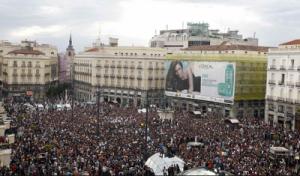 Puerta del Sol la tarde del 18 de mayo de 2011