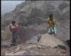 Los niños picando piedra en los suburbios de Lima