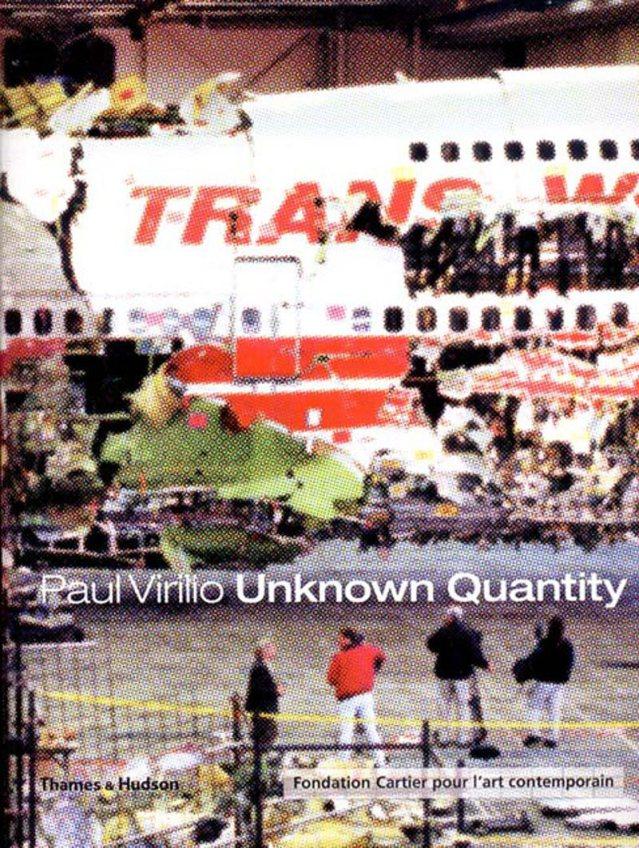 Cubierta del catálogo de la exposición 'Unknown Quantity': reconstrucción del Boeing 747 que se estrelló misteriosamente tras despegar el 17 de julio de 1996 causando 230 víctimas mortales.