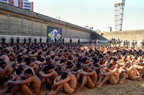 Prisión militar de Tadmor, Siria, conocida por la masacre de 1980 en la que Rifaat Ali al-Assad, tío de Bashar al-Assad asesinó a miles de miembros de los Hermanos Musulmanes tras un atentado fallido contra su vida.